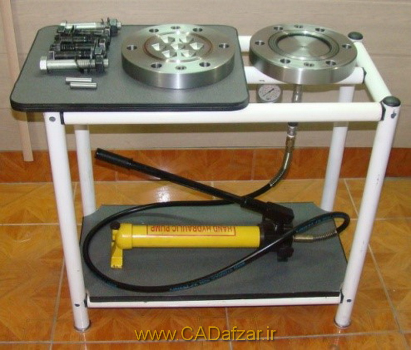 مجموعه دستگاه مونتاژ شده در زمان باز بودن قالب